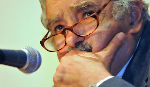 Mujica llamó a mejorar integración energética en Sudamérica