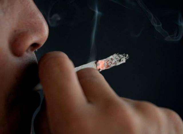 Portal 180 - Debate por la cajilla plana de cigarrillos: entre el costo del Estado y comer mollejas