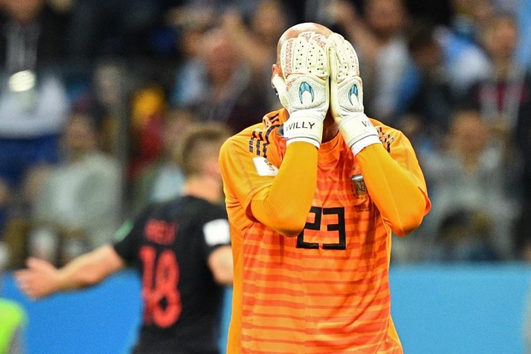 Willy Caballero se lamenta tras su error en la derrota de Argentina — Foto del dia | Del Sol 99.5 en el Mundial Rusia 2018