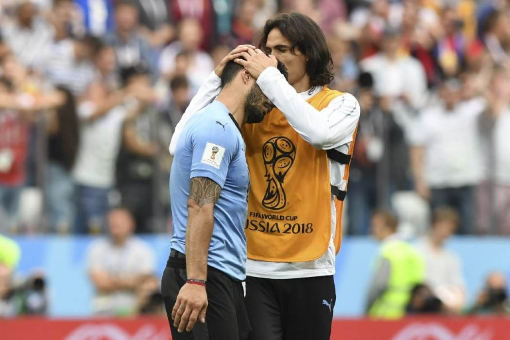 Luis Suárez y Edinson Cavani tras la eliminación de Uruguay — Img | Del Sol 99.5 en el Mundial Rusia 2018