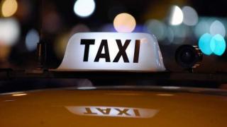 Intendencia reconoció que el límite en las chapas favoreció a propietarios de taxi - Informes - DelSol 99.5 FM
