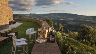 Toscana, arte de vivir - Tasa de embarque - DelSol 99.5 FM