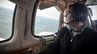 Entre aficionados a la aeronáutica y la fotografía - Audios - DelSol 99.5 FM