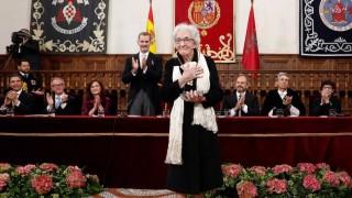 Ida Vitale: discrepancia con Cervantes y besos para el Rey - Audios - DelSol 99.5 FM