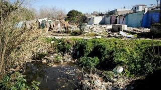 Entre 182 y 220 mil personas viven en asentamientos, según Techo - Informes - DelSol 99.5 FM