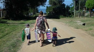 Los homenajes de Darwin a las madres - Columna de Darwin - DelSol 99.5 FM