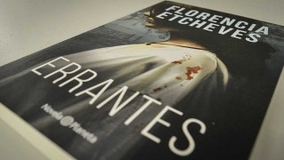 """""""Errantes"""", la última novela de Florencia Etcheves - Un cacho de cultura - DelSol 99.5 FM"""