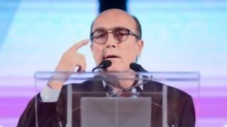 """Darwin quebró una """"z"""" por Martínez y criticó las voces de los candidatos - Columna de Darwin - DelSol 99.5 FM"""