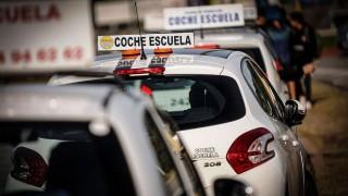 Senado aprobó creación de libreta de conducir por puntos - Titulares y suplentes - DelSol 99.5 FM