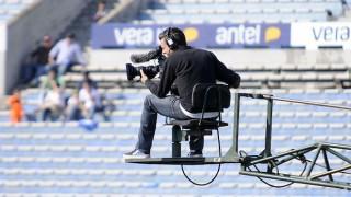"""""""Los derechos de TV definen el futuro económico de los clubes y los procesos de selecciones por cuatro años"""" - Entrevistas - DelSol 99.5 FM"""