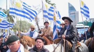 Darwin y las dificultades para entender a Un solo Uruguay y al Partido de la Gente - Columna de Darwin - DelSol 99.5 FM