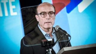Martínez recibió un huevazo en su visita a Casavalle y lo tomó con ironía - Titulares y suplentes - DelSol 99.5 FM