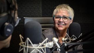 """Laura Canoura: """"Me siento intérprete y creo que canto mejor hoy"""" - Entrevistas - DelSol 99.5 FM"""