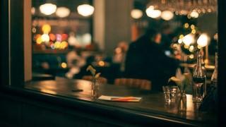 """¿Cuántas veces hay que ir a un bar para llegar y decir """"lo de siempre""""? - Sobremesa - DelSol 99.5 FM"""