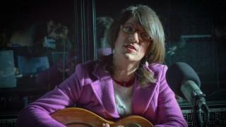 La historia de Agness, la artista trans que dejó Brasil para venir a Uruguay - Entrevista central - DelSol 99.5 FM