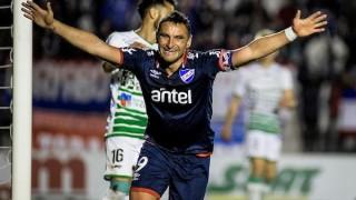 Bergessio: Capitán y goleador - Informes - DelSol 99.5 FM