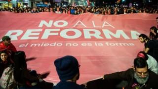 """Multitudinaria marcha por el """"No a la reforma"""" en 18 de Julio - Titulares y suplentes - DelSol 99.5 FM"""