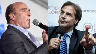 Cómo la democracia hace pedazos a los candidatos - Columna de Darwin - DelSol 99.5 FM