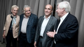 El déjà vu de ver a Mujica de saco y tomando las decisiones - Departamento de periodismo electoral - DelSol 99.5 FM