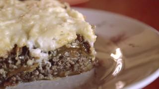 Clásicos culinarios: El ataque de la moussaka gigante - La Receta Dispersa - DelSol 99.5 FM