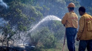 """Carencias de Bomberos que """"quedan en evidencia"""" tras incendios forestales - Informes - DelSol 99.5 FM"""