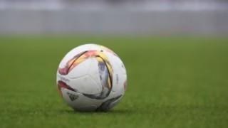 Darwin con noticias casi ciertas: por qué se atrasó el fútbol - Darwin - Columna Deportiva - DelSol 99.5 FM