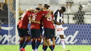 Los grandes en la Libertadores y los deportistas que golpean hinchas - Darwin - Columna Deportiva - DelSol 99.5 FM