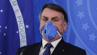 """Bolsonaro y la """"lluvia"""" de Covid: él muestra que está bien - Denise Mota - DelSol 99.5 FM"""