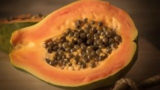 Covillero: países exitosos a los que no les creen y la papaya que dio positivo - Columna de Darwin - DelSol 99.5 FM