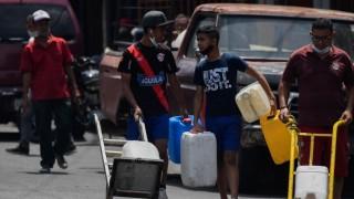 """Crónica de la """"ingeniería popular"""" para conseguir agua en Caracas - Colaboradores del Exterior - DelSol 99.5 FM"""