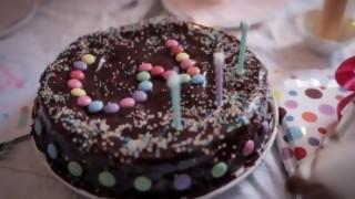 Darwin pide enanos para protocolo de cumpleaños infantiles - Columna de Darwin - DelSol 99.5 FM