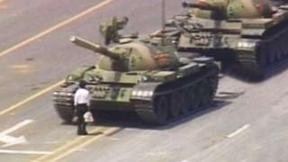 """""""El hombre del tanque"""" de la Plaza de Tiananmen - Leo Barizzoni - DelSol 99.5 FM"""