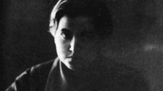 "La historia de Gabriela Mistral, la ""reina de la literatura latinoamericana"" - Musas, mujeres que hicieron historia - DelSol 99.5 FM"