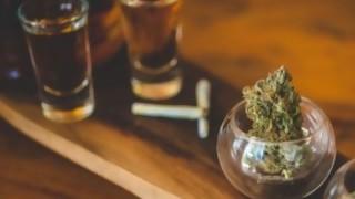 Menores de 21 no deberían acceder a alcohol y cannabis - Entrevista central - DelSol 99.5 FM