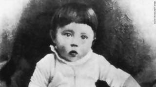 Te encontrás a Hitler bebé, ¿lo educás o lo matás? - Sobremesa - DelSol 99.5 FM
