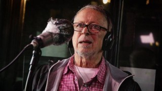 """Hugo Fattoruso sobre Los Shakers: """"éramos unos nabos por imitar a los Beatles y no vimos un mango"""" - Charlemos de vos - DelSol 99.5 FM"""