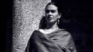 La historia de Frida Kahlo, la artista que convirtió su obra en el reflejo de su vida - Musas, mujeres que hicieron historia - DelSol 99.5 FM