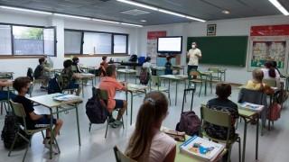 Vuelven las clases en España - Carolina Domínguez - DelSol 99.5 FM