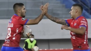 """""""Peñarol perdió justificadamente contra un equipo muy limitado y quedó al borde de la eliminación"""" - Comentarios - DelSol 99.5 FM"""