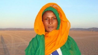 """La admirable y desgarradora historia de Waris Dirie, """"una flor en el desierto"""" - Musas, mujeres que hicieron historia - DelSol 99.5 FM"""