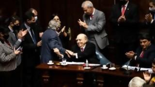 Aplausos para Sanguinetti y Mujica, dos ganadores de la vida - Columna de Darwin - DelSol 99.5 FM