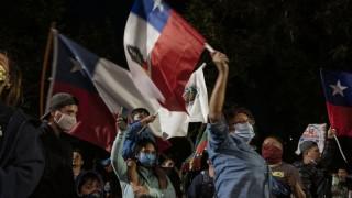 """Los chilenos quieren cambiar la idea de """"libertad para el que pueda pagarla"""" - Colaboradores del Exterior - DelSol 99.5 FM"""