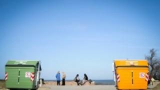 Los contenedores de basura: ¿lejos o cerca? - La Charla - DelSol 99.5 FM