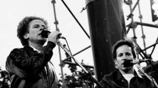 "Simon and Garfunkel, Spinetta, La gallIna ""turuleca"" y música de series - Segmento musical - DelSol 99.5 FM"