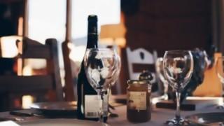 En un restorán, ¿está mal pedir un vino y devolverlo si te parece adecuado? - Sobremesa - DelSol 99.5 FM