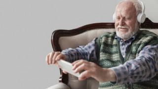 ¿Cuál es el oyente más longevo que tenemos? - Sobremesa - DelSol 99.5 FM