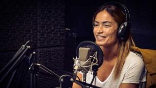 """Claudia Fernández: """"Mis amigos de Argentina me preguntan qué pueden hacer acá"""" - El invitado - DelSol 99.5 FM"""