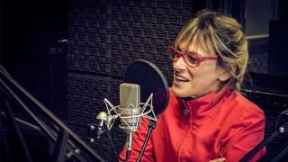 """Mónica Navarro presenta """"Niña manzana"""" - Hoy nos dice ... - DelSol 99.5 FM"""