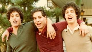 """""""Three Identical Strangers"""" y """"Hacks"""": un documental sorprendente y una serie para reír - Pía Supervielle - DelSol 99.5 FM"""