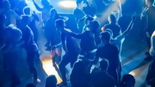 Protocolo de la fiesta higienista: ¿trencito Pfizer o trencito Chuminvac? - Columna de Darwin - DelSol 99.5 FM